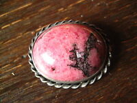 herrliche Art Deco Brosche 925er Silber großer Rhodonit Cabochon pink schwarz