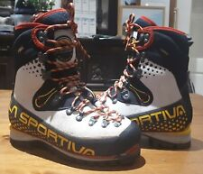 La Sportiva Nepal Cube GTX (Ice) Womens size small 38, worn a couple times only