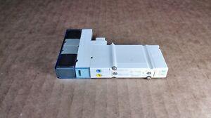 NEW SMC SY3A00-5U1 Solenoid Air Control Valve 5 Port 2 x 3/2 24V SY3000 Series