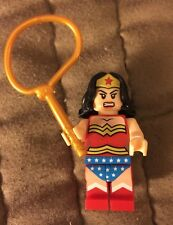 2014 Wonder Woman Minifig Diana Prince Fig Justice League DC Super Hero Red Leg