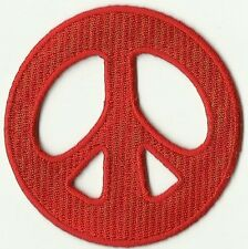 ECUSSON PATCHE PATCH THERMOCOLLANT PEACE  AND LOVE ROUGE DIAMETRE 7 CM