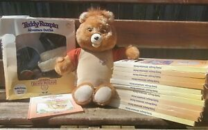 1984/85 Teddy Ruxpin With Hiking Costume & 11 Adventure Sets TESTED & WORKING