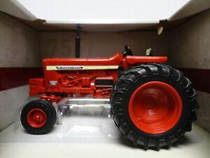 Ertl CASE IH INTERNATIONAL HARVESTER 756 Red TRACTOR 1:32 scale
