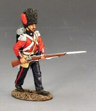 King & Country CRW027 Crimean Coldstream Guard Advancing - Crimean Wars