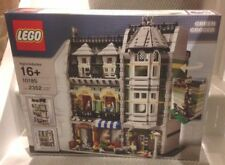 NEW LEGO GREEN GROCER 10185. VERY RARE. MODULAR FREE NEXT DAY DELIVERY