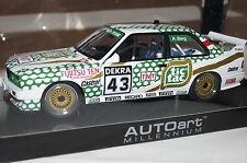 "BMW M3 E30 DTM 1991 ""Tic Tac"" Berg #43 1:18 Autoart neu & OVP 89147"
