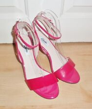 BNIB Clarks Narrative womens AMALI JEWEL fuchsia patent leather heeled shoes