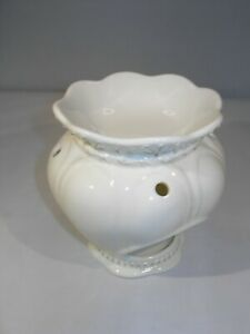 """Yankee Candle White  Porcelain Scent Warmer 5.5""""H  x 5"""" Diameter"""