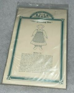 """""""The Quilting Bee"""" Moss Bank Cottage Craft Kit ~ Gail Wilson VTG Unused"""