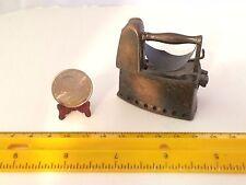 2 INCH WIDE MINIATURE DIE CAST BRONZE TRINKET BOX LAUNDRY IRON DURHAM #5405