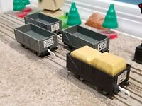 TOMY Trackmaster Thomas & Friends Lot of 4 Troublesome Trucks Cargo Cars