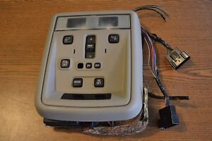 03-09 LINCOLN TOWN CAR OVERHEAD INTERIOR DOME LIGHT WITH CONTROLS