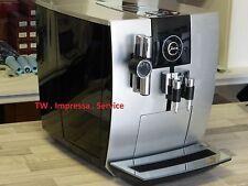 Jura Impressa  J 9.2 Kaffeevollautomat Silber/ Black mit neuer Tassenablage Glas