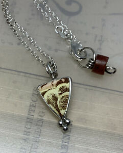 "Handmade JESSICA LEE Bezel-Set Painted Porcelain Triangular Pendent Necklace 18"""