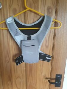 Free Train V1 Running Vest phone holder lightweight Unisex