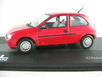 IXO #114 Chevrolet Corsa (1993) in rot 1:43 NEU/PC-Vitrine