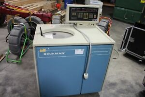 BECKMAN MODEL L8-70M ULTRACENTRIFUGE