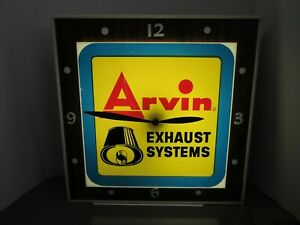 VINTAGE ARVIN MUFFLER LIGHTED CLOCK SIGN, DUALITE PRODUCTS CLOCK
