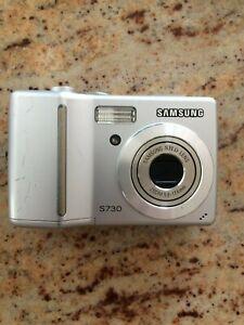 Samsung S730 7.2 MP Digital Camera - Silver