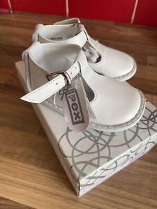 Pex White T Bar Shoe Size 18/2