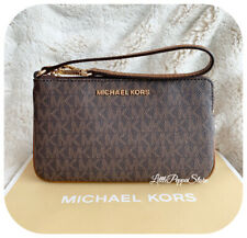 MICHAEL KORS JET SET TRAVEL LARGE TOP ZIP WRISTLET MK LOGO BROWN