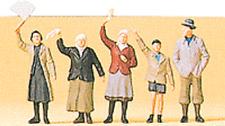 1:72 scale Preiser Five Civilians at Curb Waving : Figures 72413