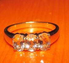 BEAUTIFUL SECONDHAND 9ct YELLOW GOLD TRILOGY MORGANITE BAND RING SIZE N