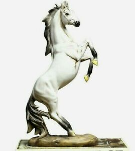 Modern Resin Horse Statue Ornaments Crafts Home Livingroom Table Figurines Décor