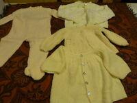 3piéces  jaunes  tricotées main poupée ,poupon,bébé??+une offerte  à saisir !!!