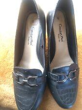 Ladies Comfort Plus Black Shoes Size 6 wide Feet