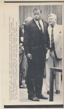 Cleveland Browns' running back Kevin Mack appearing in court 8/30/89-Press Photo