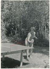 Nr,33158 Foto schöne nackte Frau Busen Erotik Tischtennis 12,5  x 19 cm  um 1960