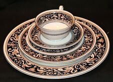 WEDGWOOD FLORENTINE 5 PIECE PLACE SETTING - A