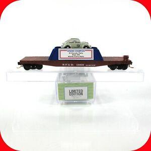 N Scale LOWELL SMITH DISNEY Herbie #53 Grand Champion on Flat Car - MICRO TRAINS