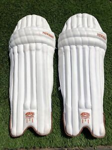 Newbery Cricket Pads, Excellent Condition, Top Quality Youths Pads, Superb!!