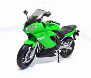 Kawasaki Ninja 650r 1:10 Welly Green Metal Motorcycle Miniature Collection Figur