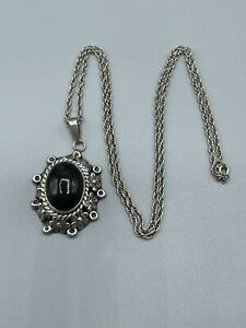 """Large Vintage Sterling Silver & Black Onyx Poison Locket & 24"""" Silver Chain"""