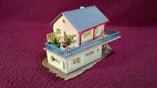HO SCALE FALLER/WIAD/VAU-PE GUEST HOUSE WITH FIGURES