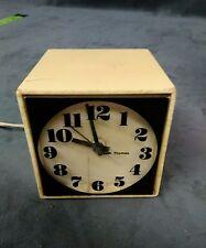VINTAGE AMERICAN SETH THOMAS Mini-Light Clock Model 0507-000 Cat 510