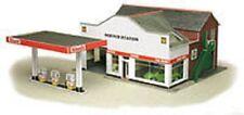 Metcalfe PO281 Service Station (00 Gauge) Railway Model Kit