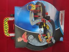 Roadsters foldaway playset with car (wilko)