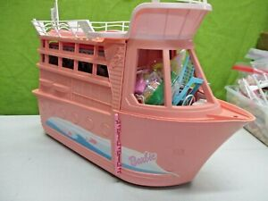 VINTAGE BARBIE CRUISE SHIP WITH SOUNDS VECHICLE POOL CAMERA/PHOTOS FOOD