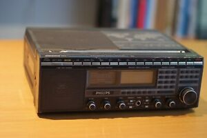 Philips D2999 World Receiver With Ssb Reception. very rare.