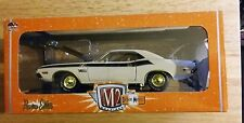M2 machines detroit muscle 1/18th scale 1970 dodge challenger t/a chase 500 made