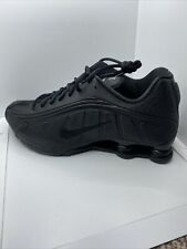 NIKE MENS SHOX R4 - UK 8.5 EU 43- TRIPLE BLACK (104265-044) BNIB RRP:£129.95