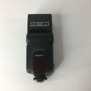 Neewer TT520 Speedlite for DSLR camera