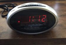 New ListingDurabrand Am/Fm Digital Clock Radio Model Cr-500 Silver