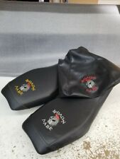 SUZUKI OZARK SEAT COVER MALON LABE LOGO COLORED THREAD