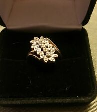 10k Yellow Gold Stunning Cluster Ring....size 7