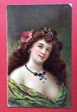 CPA. Illustrateur HENRION. Buste de Femme. Ajoutis Paillettes Cabochons Plats.